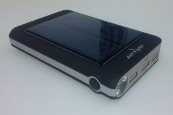 Solarni Power Bank Punjac Zealot 13200 mAh Eksterna Baterija
