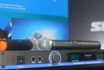 Shure U-830 bežični set 2 mikrofona NOVO