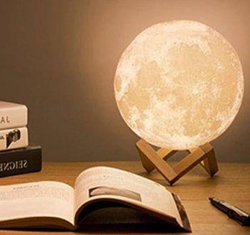 3D Meseceva lampa sa postoljem